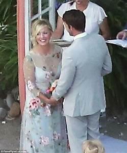 jennie garth ties the knot with david abrams With jennie garth wedding dress