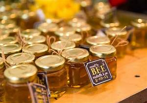 homemade diy honey jar wedding favor ideas that are inspired With honey bee wedding favors