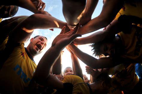 Cei mai INFIORATORI luptatori romani! Ei sunt BOMBARDIERII care baga frica in strainii ce vin sa lupte in Romania - www.sport.ro - Joi 16 Iulie 2015
