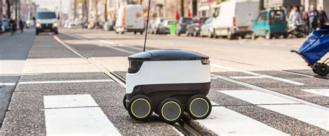 dominos wil pizzas bezorgen met robot  aprilgrap  echt