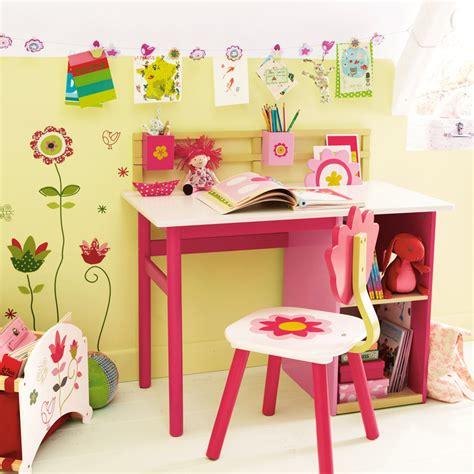 bureau maternelle fille chambre d 39 enfant 20 bureaux trop mimi pour petites filles bureau fleurs vertbaudet déco