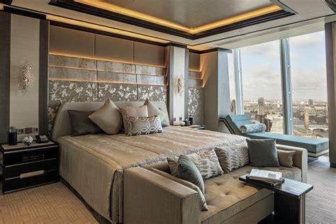 shard hotel room     view  london