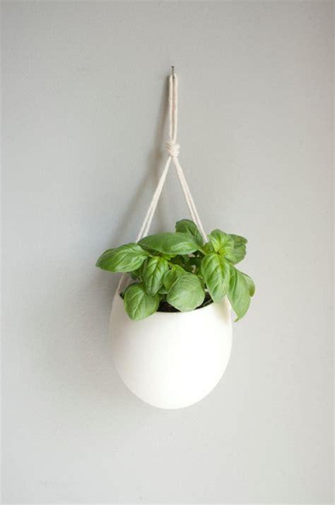veste de cuisine et si on suspendait les pots de fleurs au mur gain de