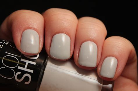 Buy 2 Get 1 Free Maybelline Color Show Nail Polish Lacquer