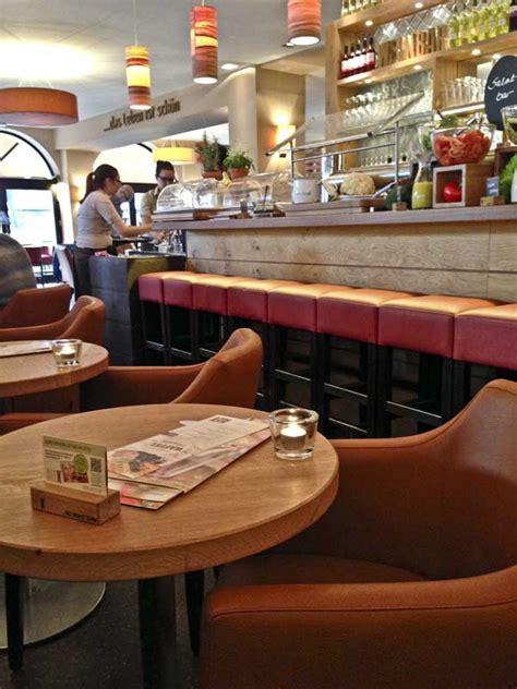 Alex Am Rotkreuzplatz by Alex Internationales Restaurant In M 252 Nchen