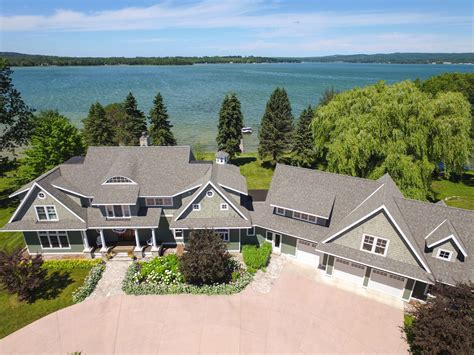 List view ☑ map view ☐ no active listings matching your search requirements were found. 7301 Channel Road, Petoskey, Michigan 49770 on Crooked ...