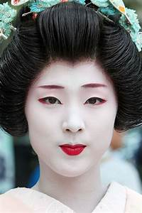 The Japanese traditional occupation– Geisha   Art and history