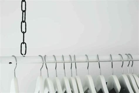 Kleiderstange Der Decke by Diy Wardrobe Area H 228 Ngende Kleiderstange Do Live