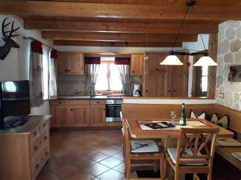 Wohnung Mieten Chiemsee Umgebung by Chalet Mieten Am Chiemsee Ferienhaus Hexenh 228 Uschen