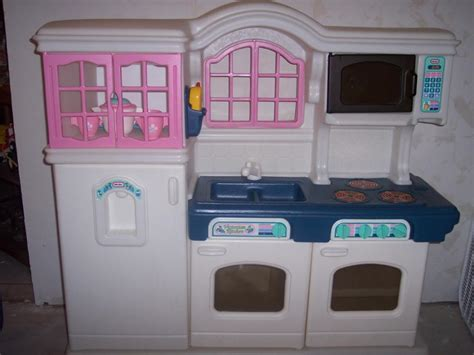 cuisine tikes tikes kitchen w dishes and play food