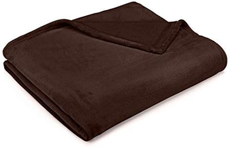 plaid marron pour canapé amazonbasics plaid en peluche effet velours pour le canapé