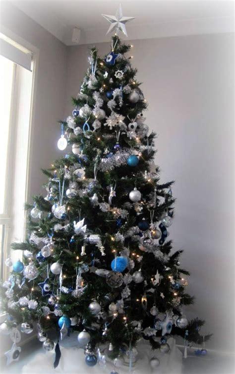 Weihnachtsbaum Blau Geschmückt by 1001 Ideen F 252 R Weihnachtsbaum Schm 252 Cken Wei 223 Und Silber
