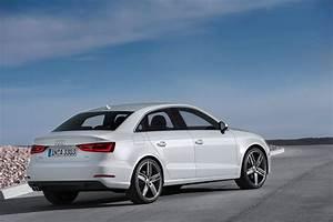 Audi A3 8v : type 8v glacier white audi a3 sedan exterior rear ~ Nature-et-papiers.com Idées de Décoration