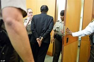 Atlanta cheating scandal teachers in cuffs: Eleven face up ...