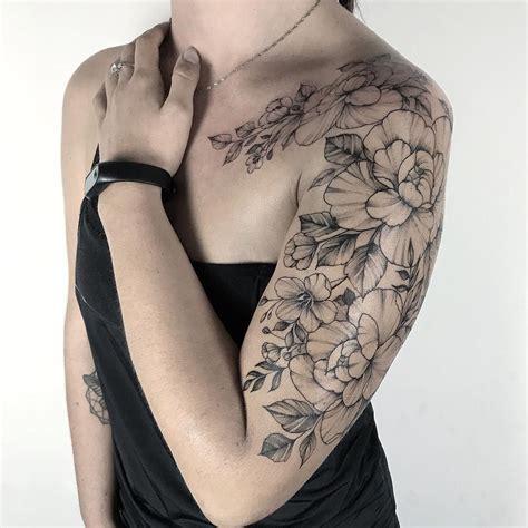 tattoo artist yarina tereshchenko black dotwork linework