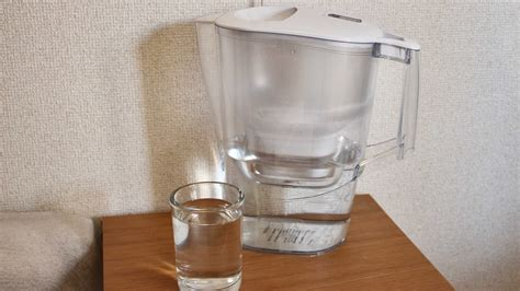 1 日 二 リットル 水 を 飲む