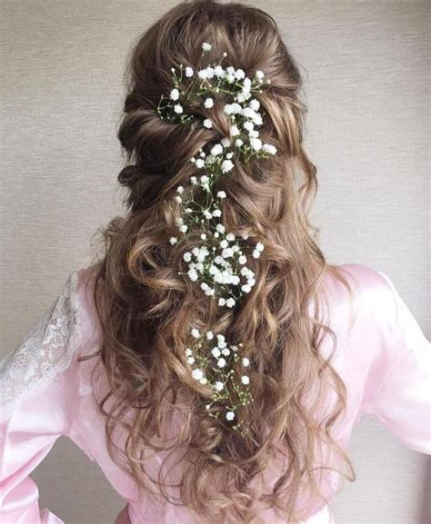 Wedding Hairstyles Updos With Curls by 20 Soft And Sweet Wedding Hairstyles For Curly Hair 2019