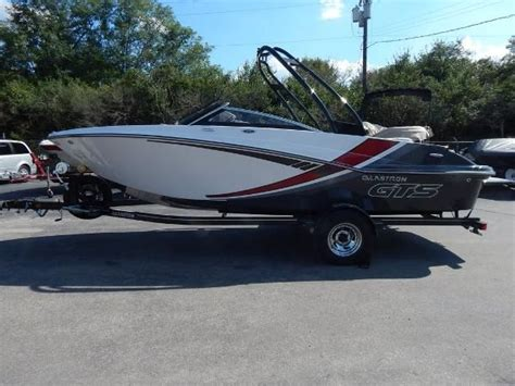 Boats For Sale Howard Ohio by Glastron New And Used Boats For Sale In Ohio