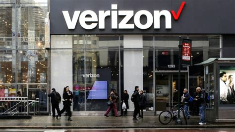 Verizon's 5G mobile network launching Apr. 11 with $10 ...