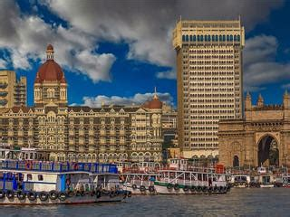 mumbai  years eve  fireworks  parties hotels
