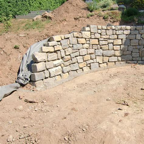 Mörtel Für Natursteinmauer by Trockenmauer Natursteinmauer Aus Granit Basalt Kalkstein