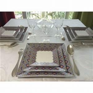 Assiette Blanche Carrée : assiette c ramique bleu fonc ~ Teatrodelosmanantiales.com Idées de Décoration