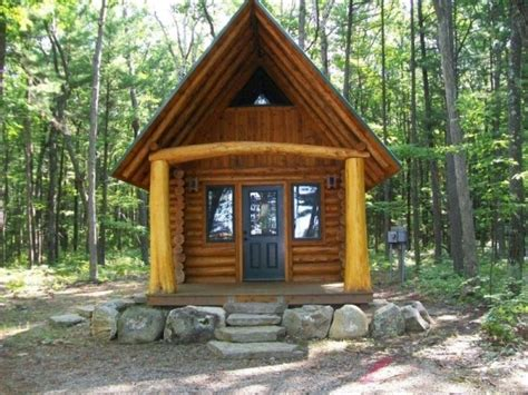 cabins for in michigan rustic to ritzy homes 500 square