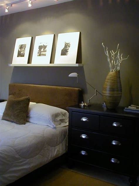masculine white bedroom 17 best images about masculine bedrooms on pinterest red white blue white wall decor and