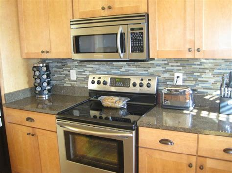 diy tile kitchen backsplash 10 different ways for diy kitchen backsplash elly 39 s diy