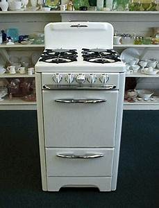Antique gas stoves o39keefe merritt apartment size 20quot stove for Apartment size stove gas