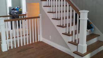 cuisine a la escalier en bois franc escalier blanc gypse escalier