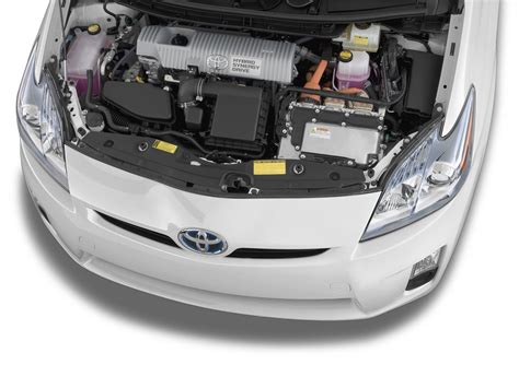 toyota prius reviews  rating motor trend