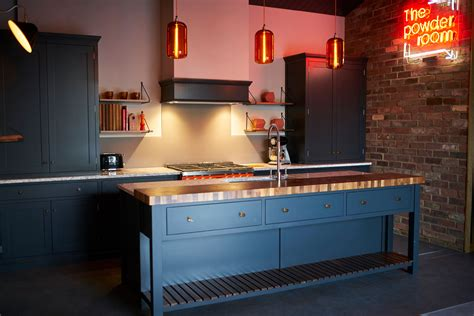 Traditional, Contemporary And Industrial Style Kitchens