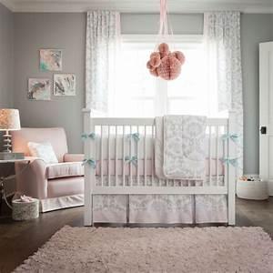 le linge de lit bebe 44 idees qui vont vous inspirer With chambre bébé design avec quelques fleurs l original houbigant