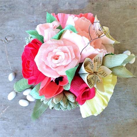 carta fiori bouquet con fiori di carta crespa la figurina shop
