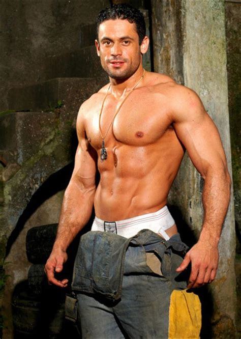 Latin Muscle Hunk - Adrian Fernandes | Fitness Men