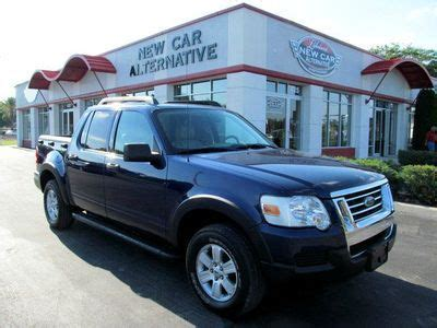 find   ford explorer sport trac xlt  clean