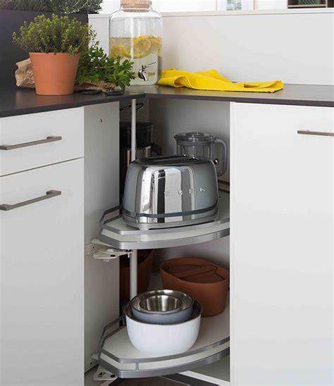 rangement angle cuisine meubles de rangement astucieux mobalpa