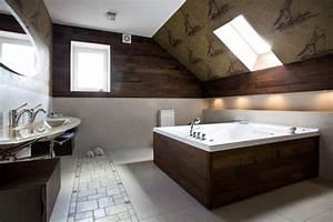 Wohnzimmer Mit Schräge : bad mit schr ge ingo dierich ~ Orissabook.com Haus und Dekorationen