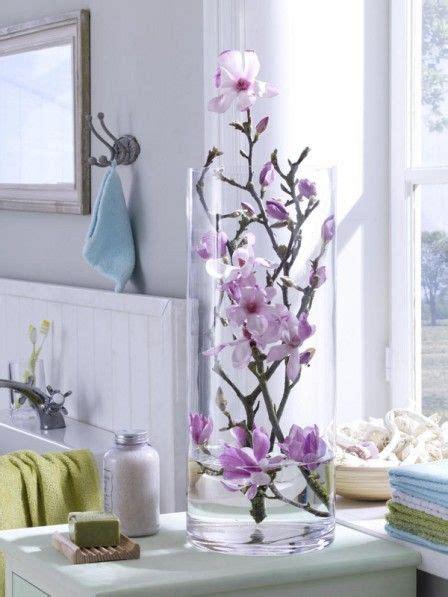 Die Fensterbank Mehr Als Eine Abstellflaeche Fuer Blumen by Magnolien In Der Glasvase For The Home Bad
