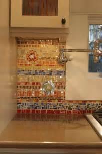 Glass Tile Backsplash Pictures Mosaic by 18 Gleaming Mosaic Kitchen Backsplash Designs