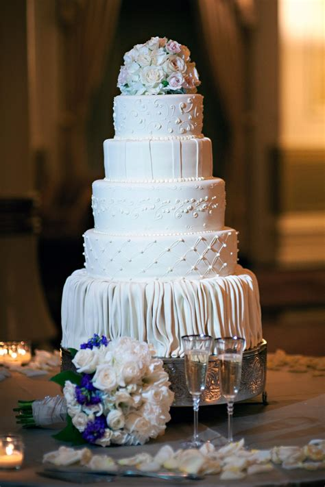 Top Kuchen by Preserving Your Top Layer Of The Wedding Cake