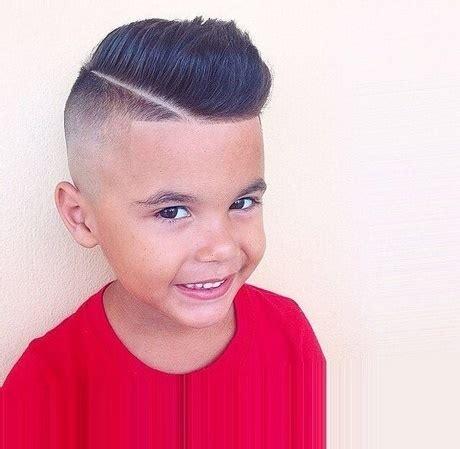 fryzura irokez dla dziecka