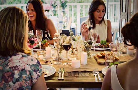 Top Ten Tips To Help Good Dinner Party Conversation