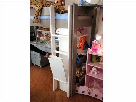 lit mezzanine enfant avec bureau integre en bois