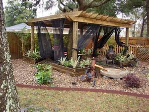 Most Awesome Backyard Hideaways DIY