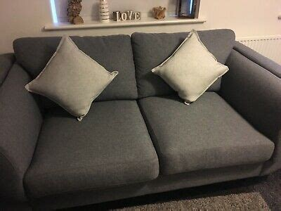 Settee For Sale Ebay by Sofa For Sale Practically Brand New Amazing Condition