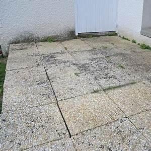 Nettoyer Dalle Terrasse : refixer les dalles d 39 une terrasse ~ Dallasstarsshop.com Idées de Décoration