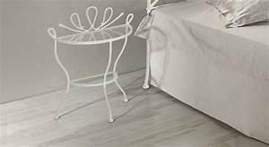 Nachttisch Weiß Metall : halbrunder nachttisch aus metall und glas porco ~ Markanthonyermac.com Haus und Dekorationen