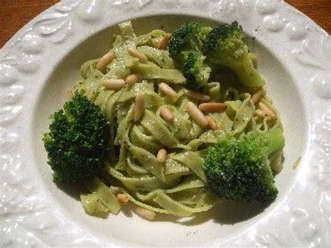 cuisiner les brocolis recettes recettes brocolis vegan